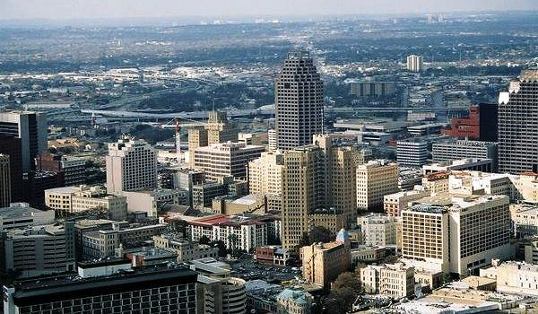 http://www.bloomberg.com/ss/09/10/1022_40_strongest_us_metro_economies/2.htm